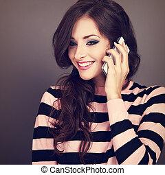 bonito, maquilagem, mulher feliz, falando telefone móvel,...