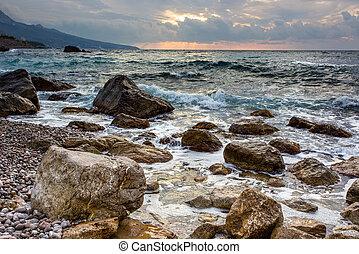bonito, mar, paisagem, com, a, bonito, céu, em, amanhecer