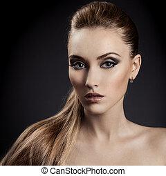 bonito, marrom, mulher, cabelo longo, portrait.