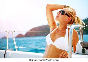 bonito, menina, descansar, a, yacht., yachting., luxo,...