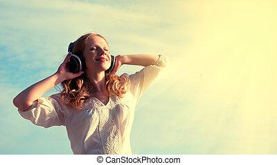 bonito, menina, escutar música, ligado, fones