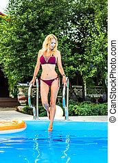 bonito, menina, piscina, natação