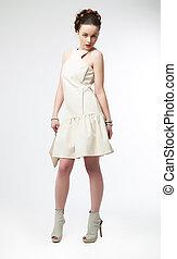bonito, moda, menina, posar, vestido branco, modelo