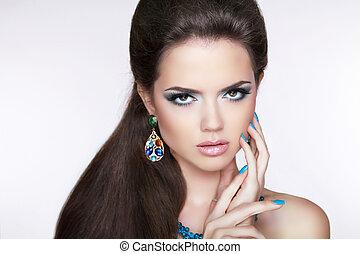 bonito, morena, girl., makeup., mulher, com, moda, earrings., ma