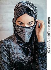 bonito, muçulmano, árabe, menina, com, paranja, só, olhos