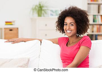 bonito, mulher americana, relaxante, africano