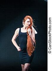 bonito, mulher, beleza, saudável, jovem, longo, Retrato, gengibre, cabelo, pretas, menina, vermelho