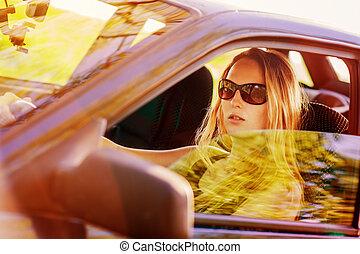 bonito, mulher carro, jovem, excitado