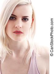 bonito, mulher jovem, com, cabelo loiro
