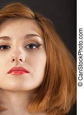 bonito, mulher jovem, com, cabelo vermelho