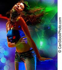 bonito, mulher jovem, dançar, em, th