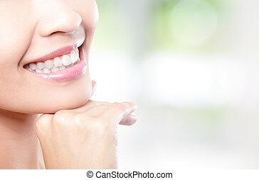 bonito, mulher jovem, dentes, cima