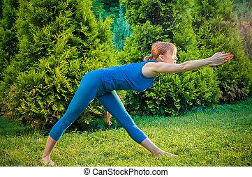 bonito, mulher, prática, condicão física, Ioga, ou
