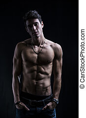 bonito, muscular, shirtless, homem jovem, ficar, confiante