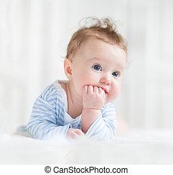 bonito, olhos azuis, dela, barriga, bebê, adorável, tocando