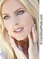 bonito, olhos azuis, mulher, jovem, loura, retrato