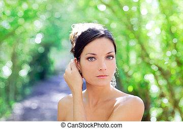 bonito, olhos azuis, mulher, parque, ao ar livre
