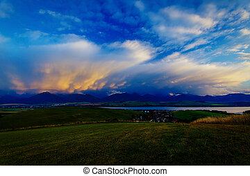 bonito, paisagem montanha, central, sky., europa, lago, eslováquia