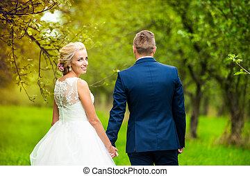 bonito, par casando