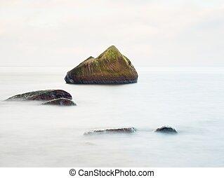 bonito, pedra, baixo, seascape, liso, sea., mar, rocha, sozinha, lightt., sunset.