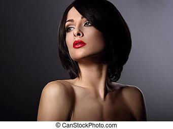 bonito, perfeitos, estilo, mulher, batom, maquilagem, rosto, cabelo, shortinho, closeup, fundo, escuro, retrato, sombra, olhar, serious., vermelho