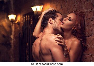 bonito, pescoço, par, sexo, woman's, deslumbrante, beijando,...