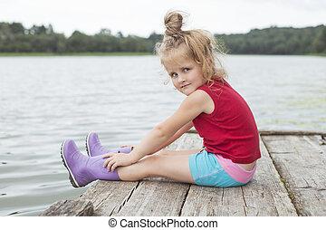 bonito, ponte, menininha, sentando