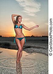 bonito, praia, swimsuit, mulher