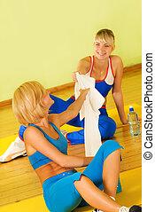 bonito, relaxante, após, exercício aptidão, mulheres