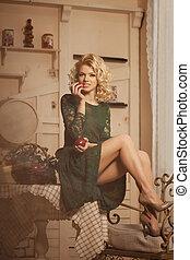 bonito, restaurant., mulher, blondy, modernos, jovem, cafe., trendy, menina