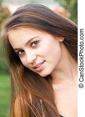 bonito, retrato, mulher, ao ar livre, adolescente