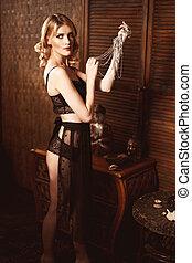 bonito, roupa interior, mulher, renda, vindima, posar, segurando, sensual, jóia