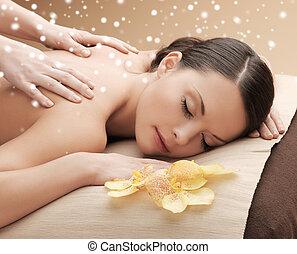 bonito, salão, mulher, obtendo, jovem, spa, massagem