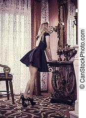 bonito, sala de estar, jovem, ficar, luxo, menina