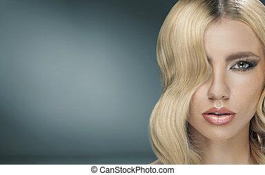 bonito, senhora jovem, com, fantasia, penteado