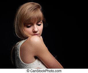 bonito, senhora jovem, desdenhar, experiência preta