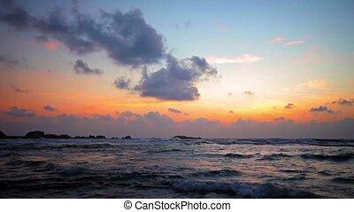 bonito, sobre, oceano ocaso
