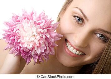 bonito, sorrizo, mulher, com, flor, isolado