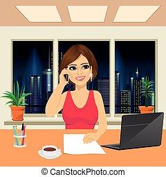 bonito, telefone mulher, escritório, falando