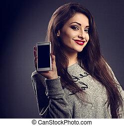 bonito, toned, mulher, experiência., móvel, maquilagem, cinzento, escuro, telefone, closeup, anunciando, segurando, retrato, sorrir feliz