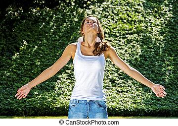 bonito, verão, mulher, jardim, jovem