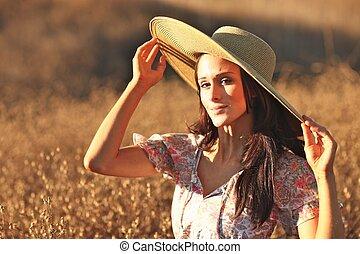 bonito, verão, mulher, jovem, campo, tempo