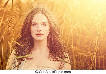 bonito, verão, mulher, luz, pôr do sol, ao ar livre