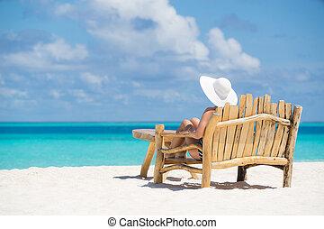 bonito, verão, mulher, trópicos, férias, relaxe, jovem, desfrutando, praia