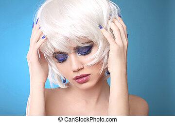 bonito, verão, olhos, mulher, tiro, beleza, smokey, maquilagem, cima, azul, luminoso, eyeshadows., estúdio, loura, fim, retrato