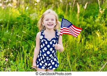 bonito, verão, pequeno, conceito, cacheados, dela, ensolarado, bandeira, longo, mão, cabelo, dia, park., rir, loura, americano, menina, dia, independência