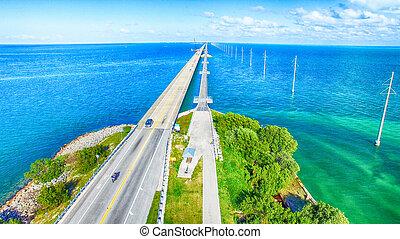 bonito, vista aérea, de, flórida, ponte, através, teclas, ilha