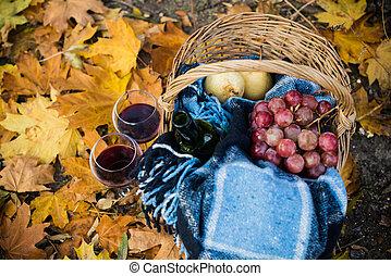 bor, szőlő, szemüveg
