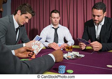 bord, eldgaffel, män