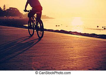 bord mer, levers de soleil, cyclisme